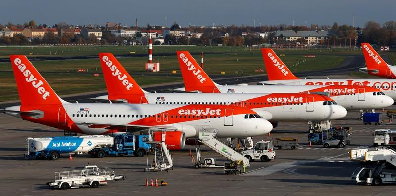 Low-cost airline easyJet orders 12 more Airbus A320neo planes