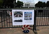 A makeshift memorial outside the White House for the 13 US troops killed in Afghanistan last week (AFP/Olivier DOULIERY)