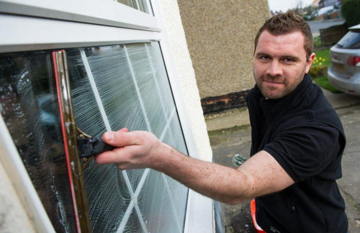 A window cleaner is hoping to beat a 20-year Guinness world record to become the fastest man in the business.