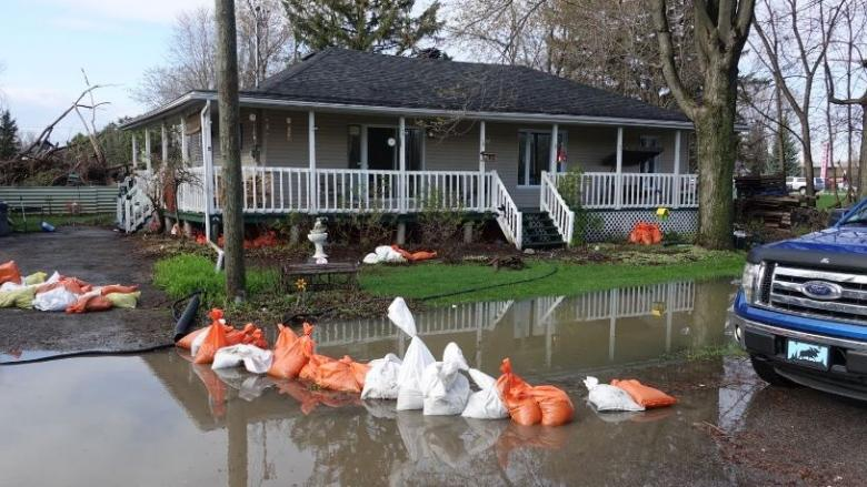 Flooding prompts evacuations, road closures in Gatineau