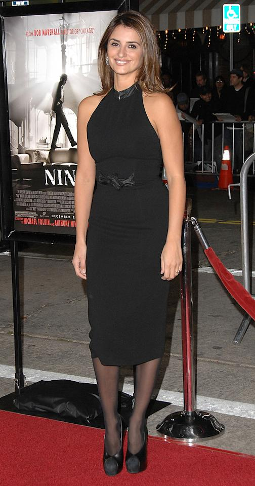 """<a href=""""http://movies.yahoo.com/movie/contributor/1800019548"""">Penelope Cruz</a> at the Los Angeles premiere of <a href=""""http://movies.yahoo.com/movie/1810053986/info"""">Nine</a> - 12/09/2009"""