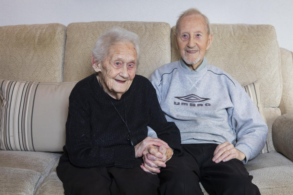 Robert Snaddon, 93, and wife Alison, 91, met at a dance in 1944. [Photo: SWNS]