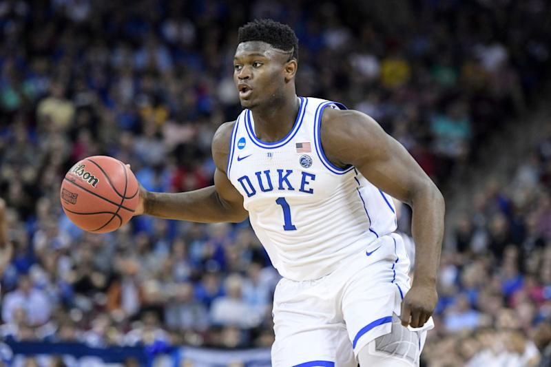 Duke Forward Zion Williamson (1) dribbles the ball against Central Florida during the first half of a second round game in the NCAA Men's College Basketball Tournament Sunday, March 24, 2019 in Columbia, SC (AP Photo / Sean Rayford) [19659008] Duke forward Zion Williamson (1) dribbles the ball against Central Florida in the first half of a second round game in the NCAA Men's College Basketball Tournament Sunday, March 24, 2019 in Columbia, SC (AP Photo / Sean Rayford)