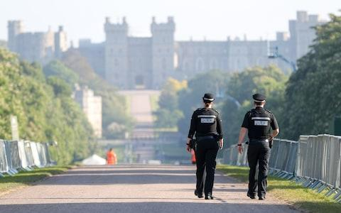 Police on the Long Walk in Windsor on Sunday morning - Credit: Andrew Matthews /PA