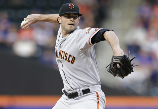 San Francisco Giants' Chris Heston delivers a pitch during the first inning of a baseball game against the New York Mets on Tuesday, June 9, 2015, in New York. (AP Photo/Frank Franklin II)