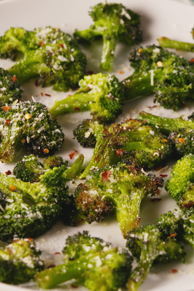 """<p>Smashed broccoli > roasted broccoli. </p><p>Get the recipe from <a href=""""https://www.delish.com/cooking/recipe-ideas/a19501930/smashed-broccoli-recipe/"""" target=""""_blank"""">Delish</a>.</p><p> <a class=""""body-btn-link"""" href=""""https://www.amazon.com/Creuset-Signature-Handle-Skillet-4-Inch/dp/B00B4UOTBQ/?tag=syn-yahoo-20&ascsubtag=%5Bartid%7C1782.g.4571%5Bsrc%7Cyahoo-us"""" target=""""_blank"""">BUY NOW</a> Le Creuset Cast Iron Skillet, $199.00<br></p>"""