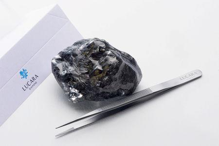 A 1,758 carat diamond recovered from from Lucara Diamond Corp.'s Karowe Diamond Mine in Botswana is pictured in this undated handout photo obtained by Reuters April 25, 2019.   Eduardo Hernandez M./Lucara Diamond/Handout via REUTERS