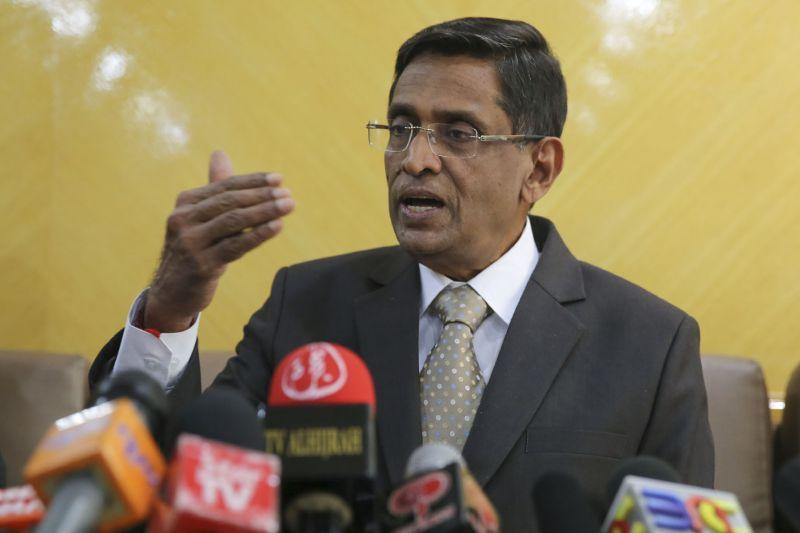 Datuk Seri S. Subramaniam said that both his Ministry and the Veterinary Department has enough rabies vaccine stockpile for both humans and animals. ― Picture by Yusof Mat Isa