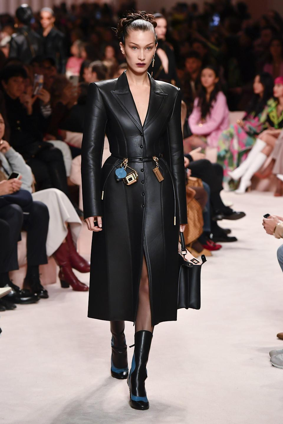 """<h1 class=""""title"""">Fendi - Runway - Milan Fashion Week Fall/Winter 2020-2021</h1><cite class=""""credit"""">Victor VIRGILE/GETTY IMAGES</cite>"""