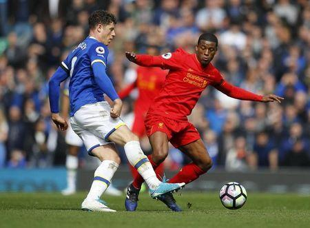 Britain Soccer Football - Liverpool v Everton - Premier League - Anfield - 1/4/17 Everton's Ross Barkley in action with Liverpool's Georginio Wijnaldum Reuters / Phil Noble Livepic
