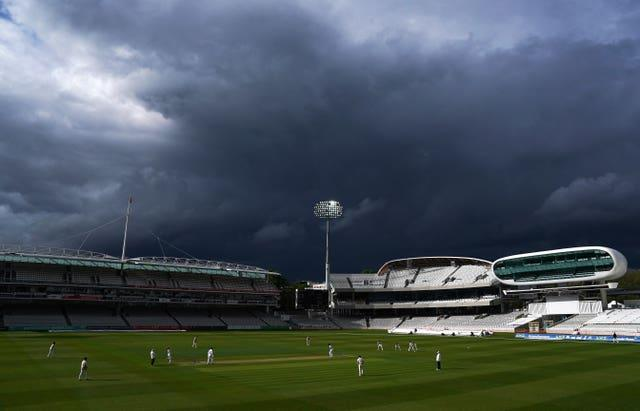 Middlesex v Hampshire – LV= County Championship – Day Three – Lord's