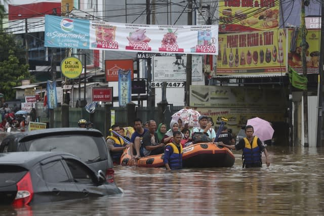 Death toll rises to 26 in Indonesia's worst flash flooding in years