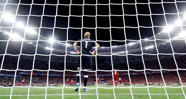 Soccer Football - Champions League Final - Real Madrid v Liverpool - NSC Olympic Stadium, Kiev, Ukraine - May 26, 2018 Liverpool's Loris Karius reacts after conceding their third goal scored by Real Madrid's Gareth Bale REUTERS/Kai Pfaffenbach TPX IMAGES OF THE DAY