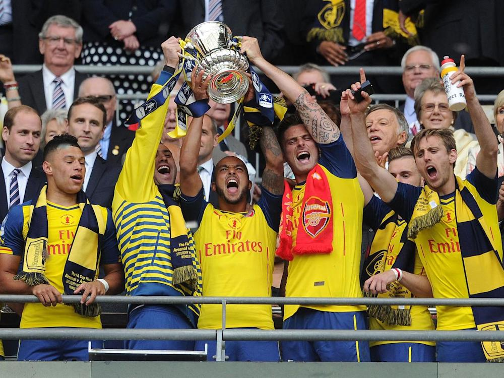 Arsenal lift the FA Cup in 2015 (Getty)