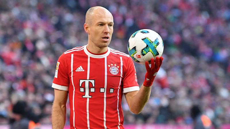 Robben to stay at Bayern after signing new deal
