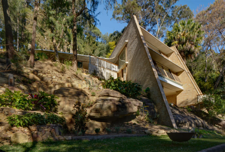 The hillside sanctuary in Sydney's Northern Beaches is carved into a rock shelf. Source: Michael Nicholson
