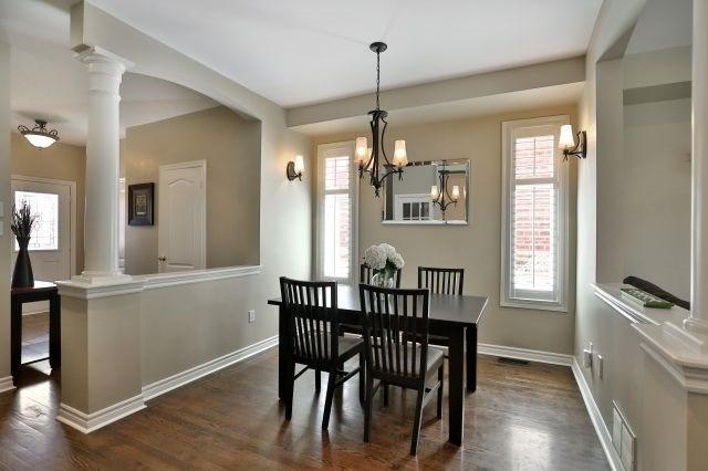"""<p><a href=""""https://www.zoocasa.com/oakville-on-real-estate/5427359-2316-foxfield-rd-oakville-on-l6m4c9-w4181758"""" rel=""""nofollow noopener"""" target=""""_blank"""" data-ylk=""""slk:2316 Foxfield Rd., Oakville, Ont."""" class=""""link rapid-noclick-resp"""">2316 Foxfield Rd., Oakville, Ont.</a><br> This detached home, located a 40 minute drive from downtown Toronto, has over 2,400 square feet of living space.<br> (Photo: Zoocasa) </p>"""