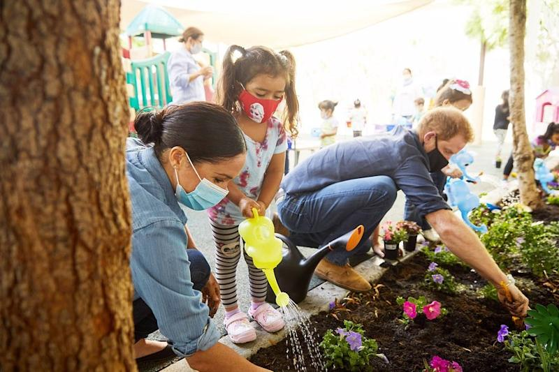 Prince Harry and Meghan Markle plant flowers at Assistance League of LA
