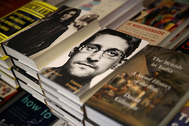 Snowden's Book Is a Bestseller -- and a Honeypot for Hackers