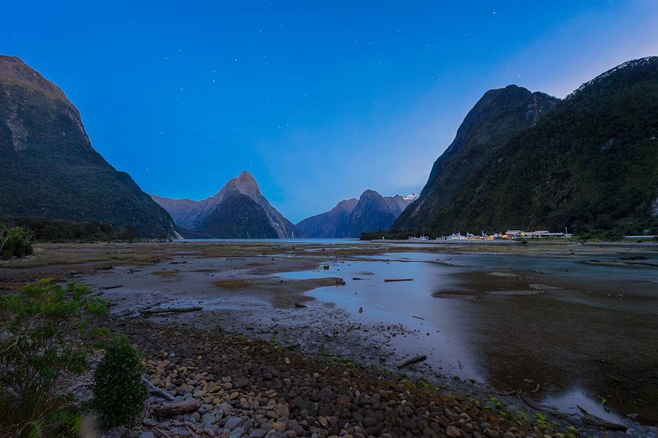 Milford sound in the evening sky with the stars