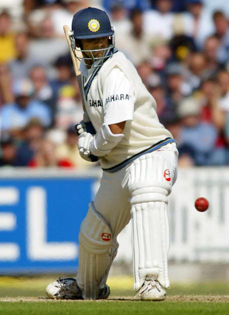 Dravid's first full season at the Ranji level was in 1991–92, when he scored two centuries to finish with 380 runs at an average of 63.3. He was thenselected for South Zone in the Duleep Trophy.