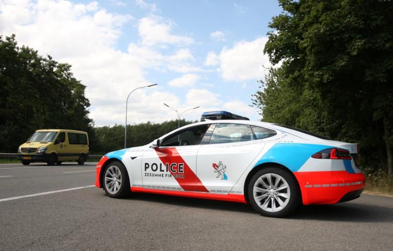 Luxembourg Police Deploy Tesla Cars To Help Nab Criminals - Show me pictures of a tesla car