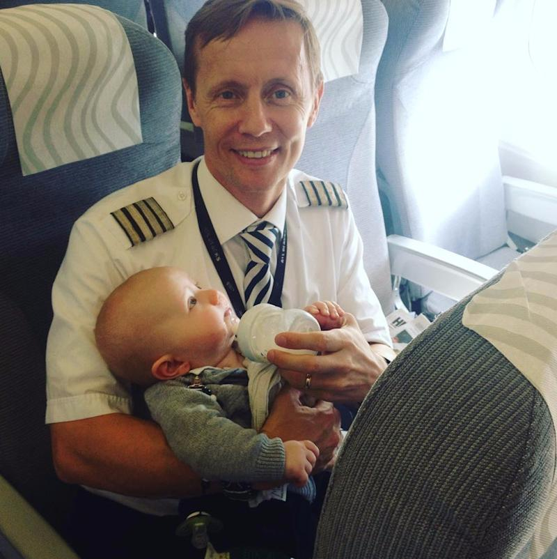 How a Pilot Kept 1 Mom Alone With 4 Kids From Being Kicked Off Her Flight