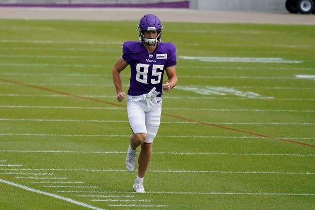 Vikings choose rookie Chisena for speed on special teams