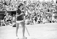 <p>Rockstar Alice Cooper goes up to bat at a celebrity softball game in Las Vegas, May 29, 1977.</p>