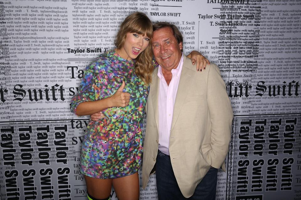 """Taylor Swift and """"Dateline NBC"""" correspondent Dennis Murphy pose together at a 2018 Reputation Tour stop."""