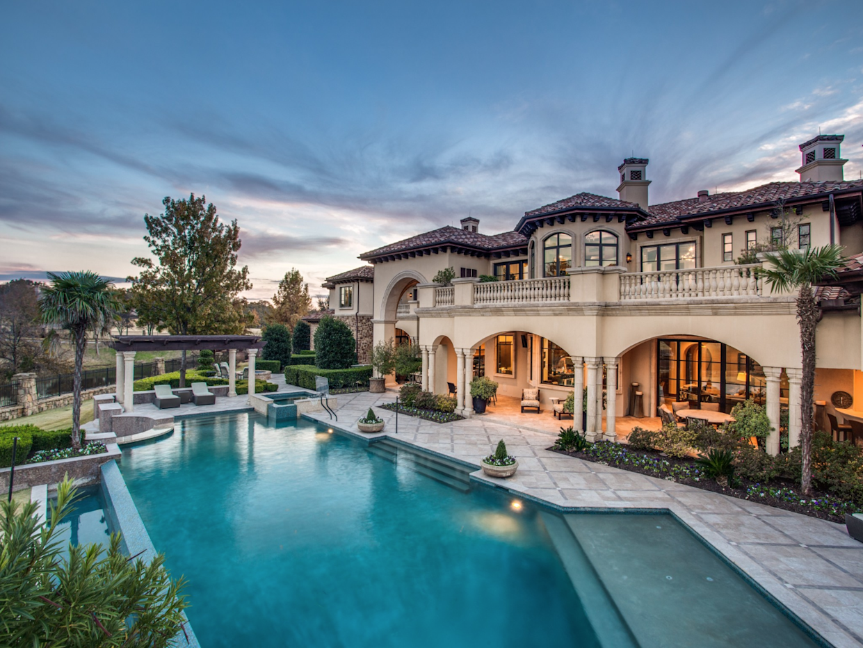 """<div class=""""caption""""> The infinity pool and loggia. </div> <cite class=""""credit"""">Photo: Courtesy Shoot2Sell Photography</cite>"""