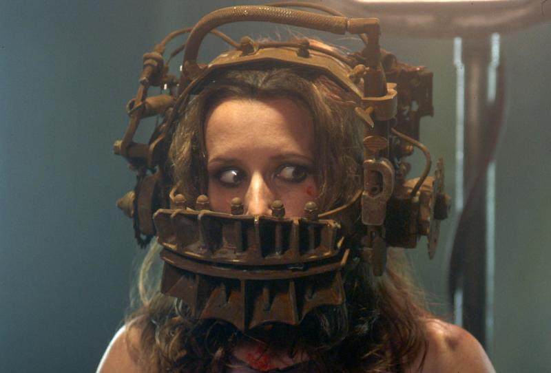 Shawnee Smith is one of Jigsaw's earliest victims in the original 'Saw' (Photo: Mary Evans/Entertainment Films. Evolution Entertianment/Ronald Grant/Everett Collection)