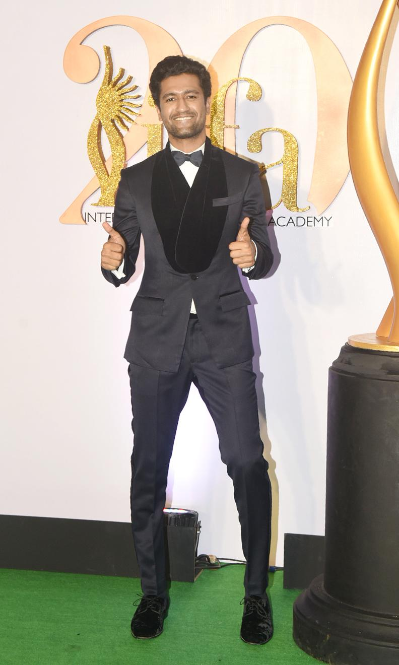 Vicky Kaushal wins with a classic tuxedo.