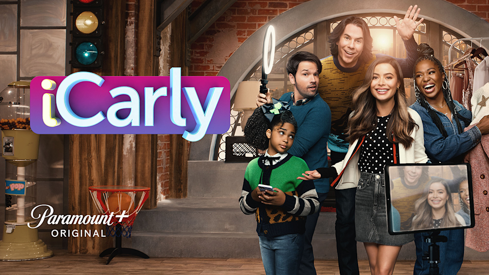 iCarly banner.