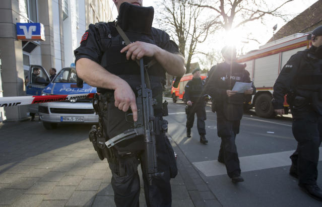 <p>Police walk in downtown Muenster, Germany, Saturday, April 7, 2018. (Photo: Friso Gentsch/dpa via AP) </p>