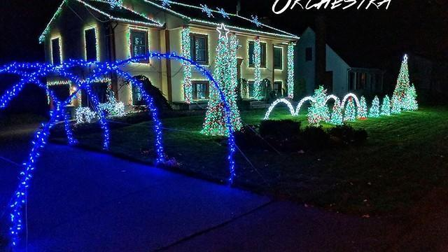 These Christmas lights dance to the tune of the Trans-Siberian ...