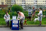 Makeshift polling stations popped up throughout the country last Thursday, when Russians started voting outdoors
