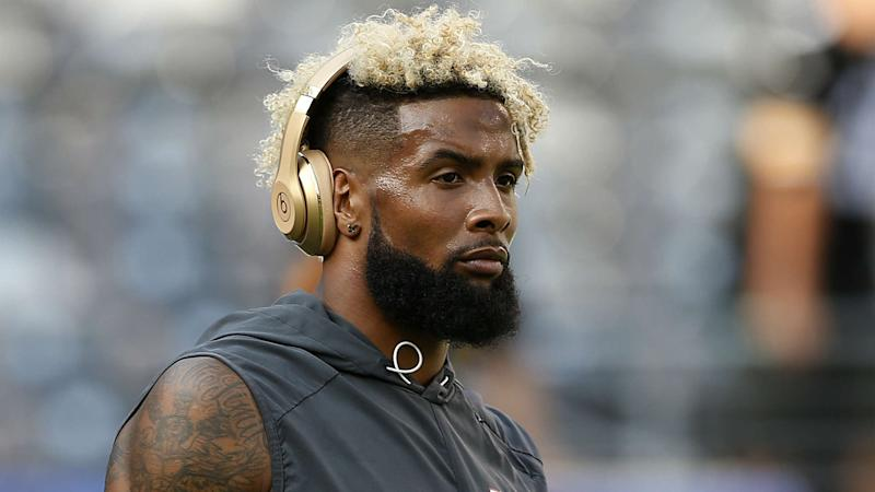 Giants receiver Odell Beckham Jr. blasts home run during batting practice at Yankee Stadium