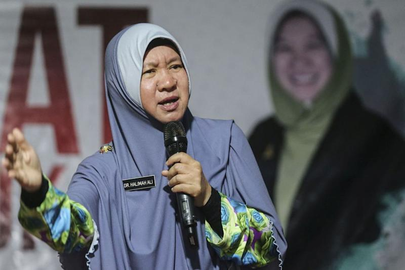 Halimah said it was particularly important that Halimey declare his wealth as he is aligned with the ruling party. ― Picture by Hari Anggara