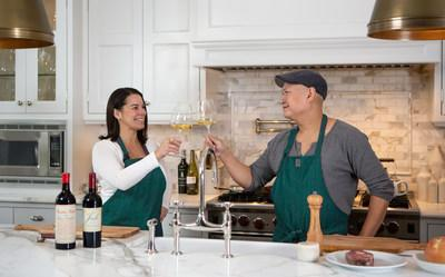 @SuperWineGirl, and newly appointed WanderEater Magaziner drinks editor, Angela Aiello in the kitchen with celebrated local Canadian chef and restauranteur Nick Liu, in the publications inaugural branded content campaign: #WECaliUpgraded (CNW Group/Stamina Group Inc.)