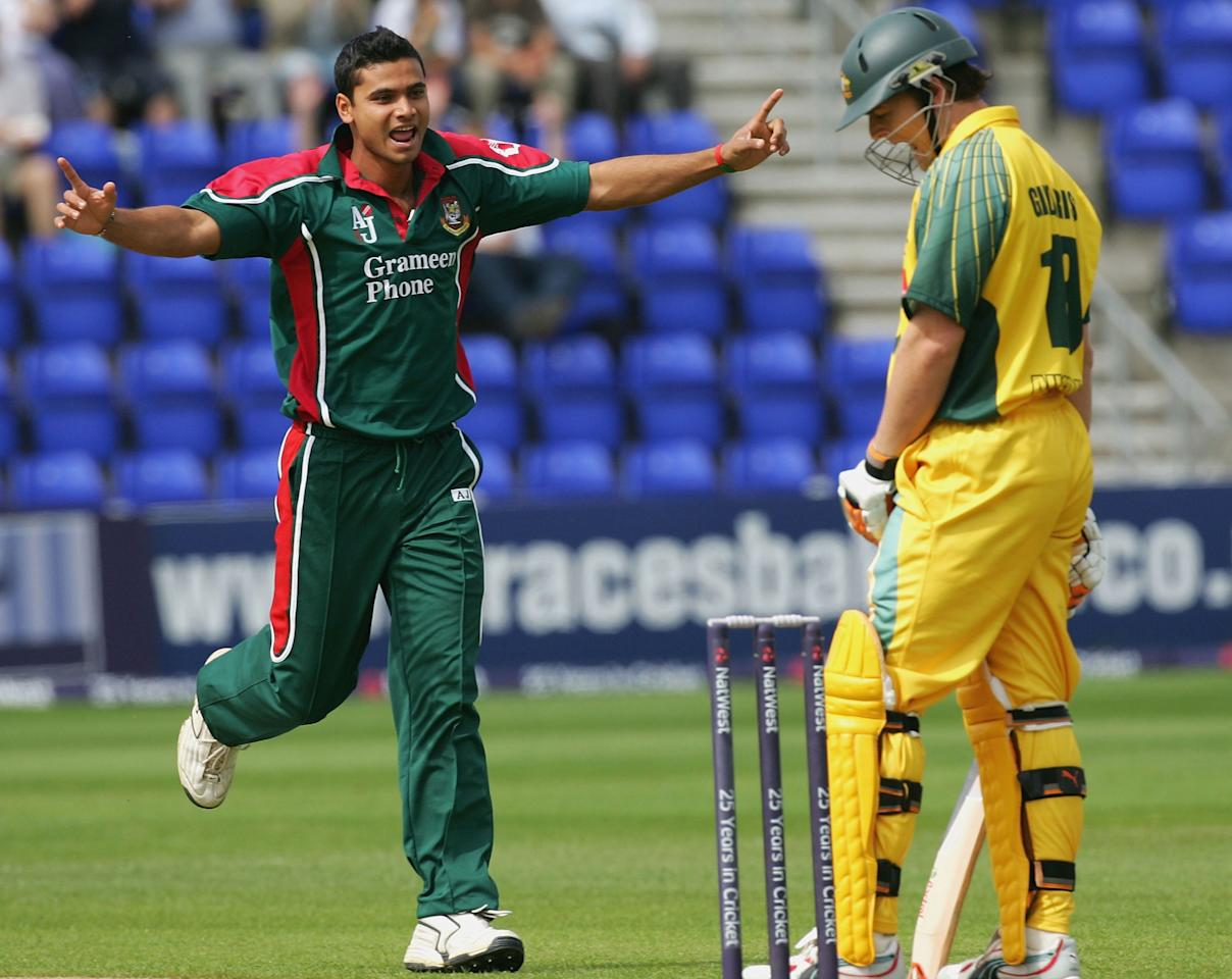 Mashrafee Bin Mortaza of Bangladesh celebrates the wicket of Adam Gilchrist of Australia during the NatWest Series One Day International between Australia and Bangladesh played at Sophia Gardens on June 18, 2005 in Cardiff, United Kingdom (Photo by Hamish Blair/Getty Images)