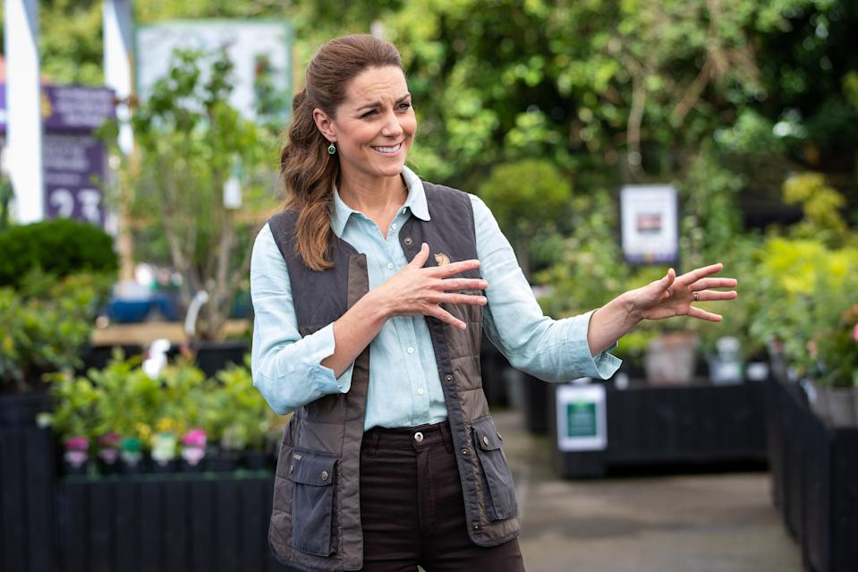 Britain's Catherine, Duchess of Cambridge visits Fakenham Garden Centre in Norfolk on June 18, 2020 where she met the owners and staff. - The Duchess visited the family-run independent business, which first opened in 1984, to hear about how the Covid-19 pandemic had impacted the company. (Photo by Aaron Chown / POOL / AFP) (Photo by AARON CHOWN/POOL/AFP via Getty Images)