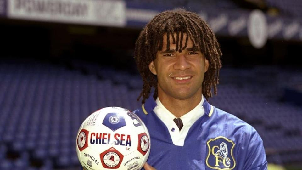 Ruud Gullit com a camisa do Chelsea   Getty Images/Getty Images