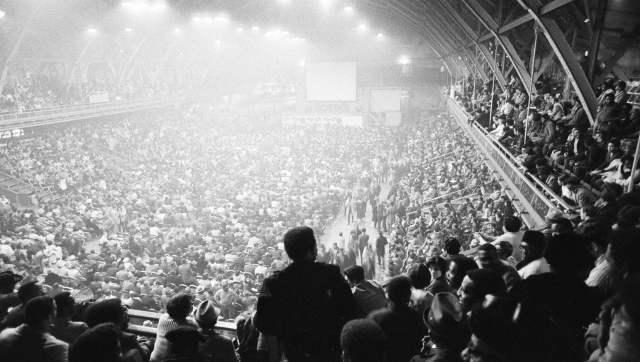 A crowd is seen at the Chicago Coliseum for a closed-circuit broadcast of the Muhammad Ali vs Joe Frazier fight in New York, in this March 8, 1971, fight photo. The crowd got unruly after the broadcast went black. Chicago Sun-Times/AP