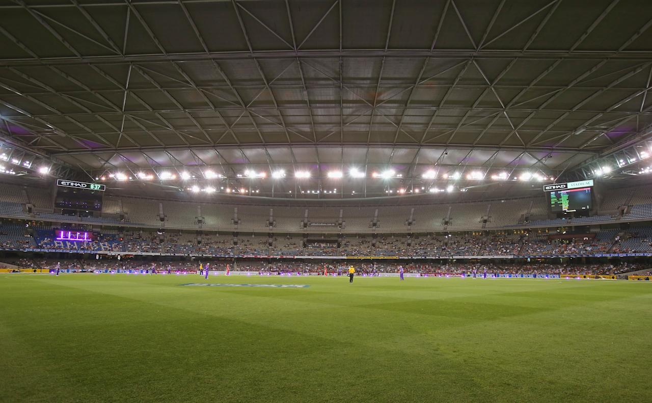 MELBOURNE, AUSTRALIA - DECEMBER 19:  A general view with the roof closed during the Big Bash League match between the Melbourne Renegades and the Hobart Hurricanes at Etihad Stadium on December 19, 2012 in Melbourne, Australia.  (Photo by Scott Barbour/Getty Images)