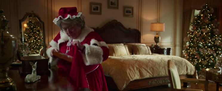 Kathy Bates in 'Bad Santa 2' (Broad Green Pictures)