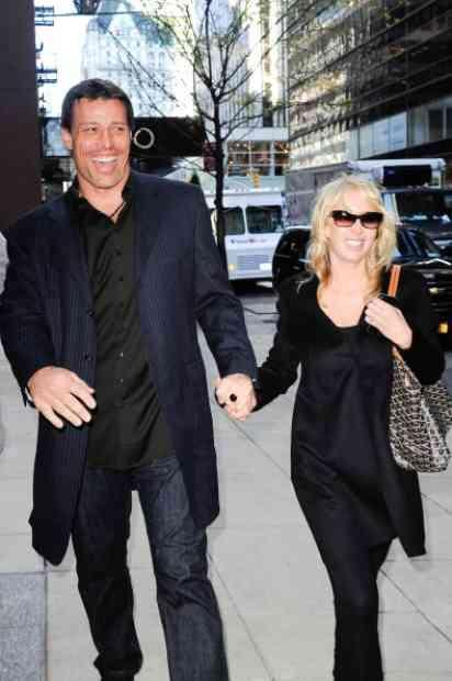 Robbins tony who to is married 7 Facts