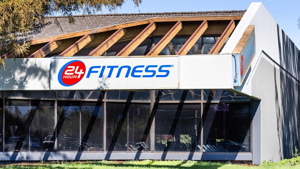 Apr 15, 2020 Sunnyvale / CA / USA - 24 Hour Fitness location, temporarily closed, in South San Francisco Bay Area; 24 Hour Fitness is a privately owned and operated fitness center chainSan Francisco Bay Area, CA, USA.