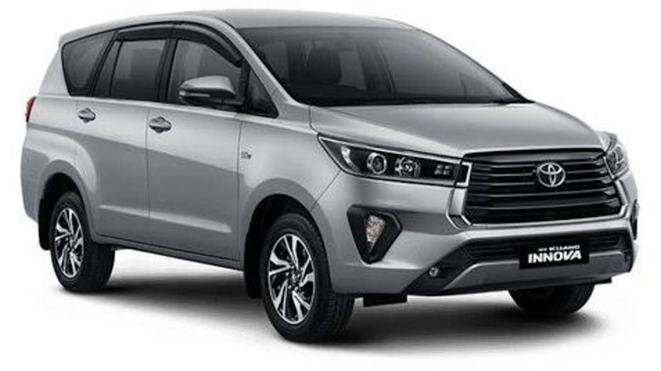Toyota to launch Innova Crysta (facelift) in India this month