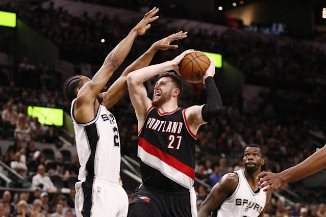 San Antonio stoppé par Portland/Photo prise le 16 mars 2017/REUTERS/� USA Today Sports / Reuters